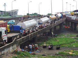 Presidential deadline: Apapa road trucks have 72hrs to disappear!