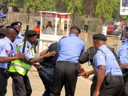 Police arrest 10 notorious robbers in Lagos traffic, see their faces here!