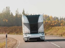 Self-driving truck by Einride begins deliveries on public road in Sweden