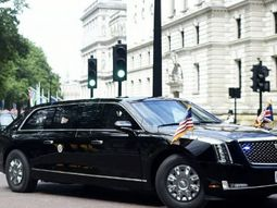 "Watch ""the Beast"" and motorcade of Donald Trump in his visit to the UK!"