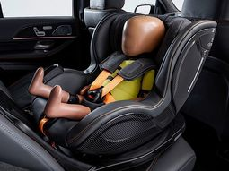 Mercedes-Benz Pre-safe Child seat introduced, parents no need to worry any more!