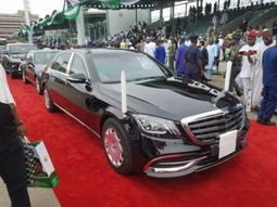 A close look into Buhari's official presidential car - the Mercedes-Maybach S560