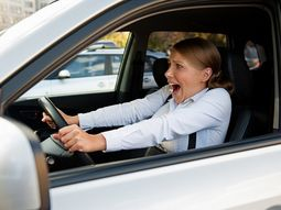 What to do if you encounter steering failure while driving