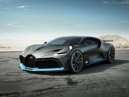 2019 Bugatti Divo is just a master piece, beating Chiron in acceleration