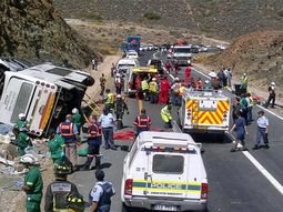 South Africa: 24 persons reported dead in ghastly car crash