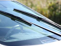 4 major causes of the broken windshield wiper and what to do