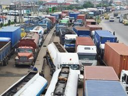 Truck drivers accuse Apapa police of demanding bribe in Vice President visit