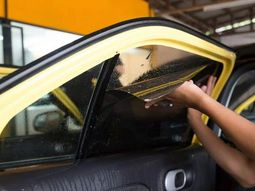 How to remove car glass tint