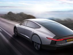 See the solar-electric car able to run 450 miles on a single charge: the Lightyear One!