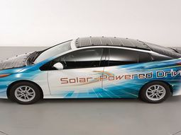 Toyota tests Prius PHV with solar batteries charged on the move