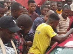 Baby left in the car by mum, rescued by traders in Computer Village, Lagos