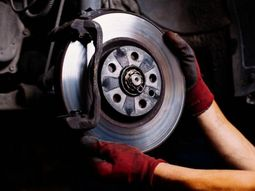 Types of brakes and braking systems in car