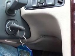 6 ways to remove your car key stuck in the ignition