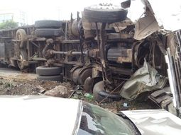 Car crash between Toyota HiAce bus & DAF Trunk claims 17 lives in Kwara