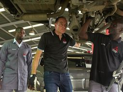 Boss Mechanic! Mitsubishi Motors Nigeria's MD fixing a customer's car