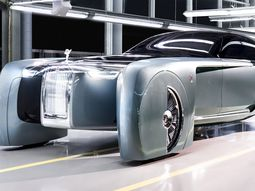 Self-driving Rolls Royce 103EX model year 2035 unveiled with futuristic traits