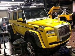 This crazy Mercedes G-Wagon carries front grille and headlights of a Rolls-Royce Ghost