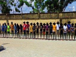 EFCC arrests 27 suspected Yahoo boys in Owerri, recovers 5 Lexus and 1 Toyota