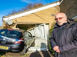 A visit to the toilet saves 75-year-old man from being crushed by car