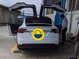 Tesla Model X spotted in Lagos: Welcome to the new age?