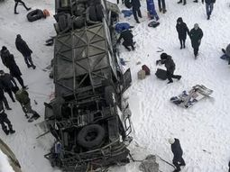 Russia bus fell from bridge to frozen river: 19 dead, 21 injured