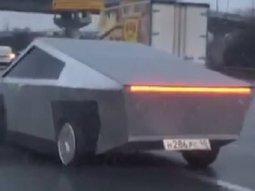 Knock-off Tesla Cybertruck spotted in Russia (video)