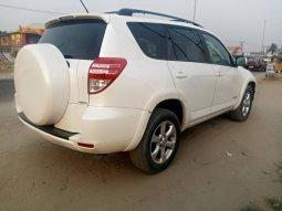 White Cruise 2012 Model Nigerian Used Toyota RAV4  for sale in Ajah
