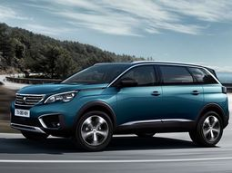 """Peugeot 5008 SUV wins """"Large SUV"""" of the year title at the 2020 What Car awards"""