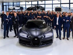 Bugatti Chiron 250th Edition is a quiet carbon fiber beast