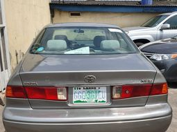 Clean Nigerian USed Toyota Camry Drop light 2001 Model