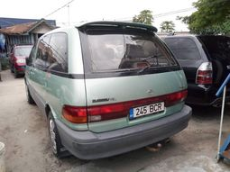 Foreign Used Toyota Previa 2000 Model Blue