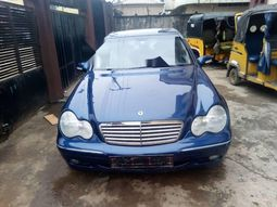 Tokunbo Mercedes-Benz C200 2001 Model Blue