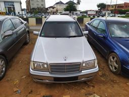 Tokunbo Mercedes-Benz C200 2000 Mode Silver