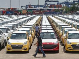 COVID-19: Shocker! India auto market records zero car sales in the month of April due to lockdown