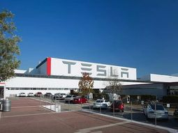 COVID-19: Tesla CEO, Elon Musk to restart factory against lockdown order, says he is manning the front line
