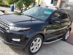 Super clean foreign used Range Rover Evoque. 2013 Model