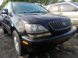 Foreign Used 2000 Black Lexus RX300 for sale in Lagos.