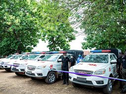 Oyo governor presents 6 new JAC trucks to newly commissioned police squad