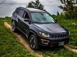 FCA recalls 2014 to 2017 Jeep Cherokee models over transmission problems