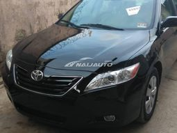 Clean Toyota Camry 2007 model for sale.