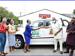Oyo State Governor donates operational truck to the Ibadan branch of FAAN