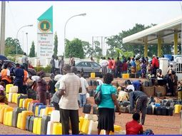 Commuters, motorists groan over long queues in Abuja filling stations