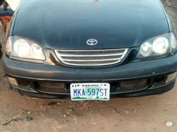2000 Toyota Avensis for sale