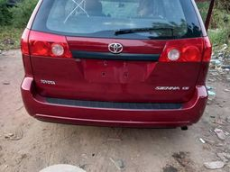 Toyota Sienna 2006 ₦2,750,000 for sale