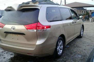 Toyota Sienna 2012 Gold for sale
