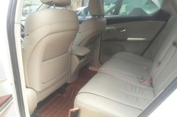 Neatly Used Toyota Venza 2010 White for sale