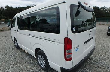 Toyota Hiace bus 2011 white for sale