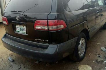 Toyota Sienna LE 2001 Black for sale