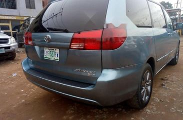 Almost brand new Toyota Sienna Petrol 2005 for sale