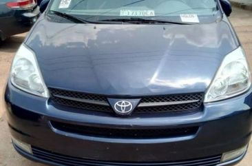 Toyota Sienna 2004 ₦1,400,000 for sale